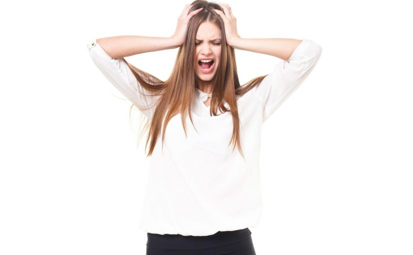 縮毛矯正で髪がすごくがダメージしました。髪質改善で傷みは治る?